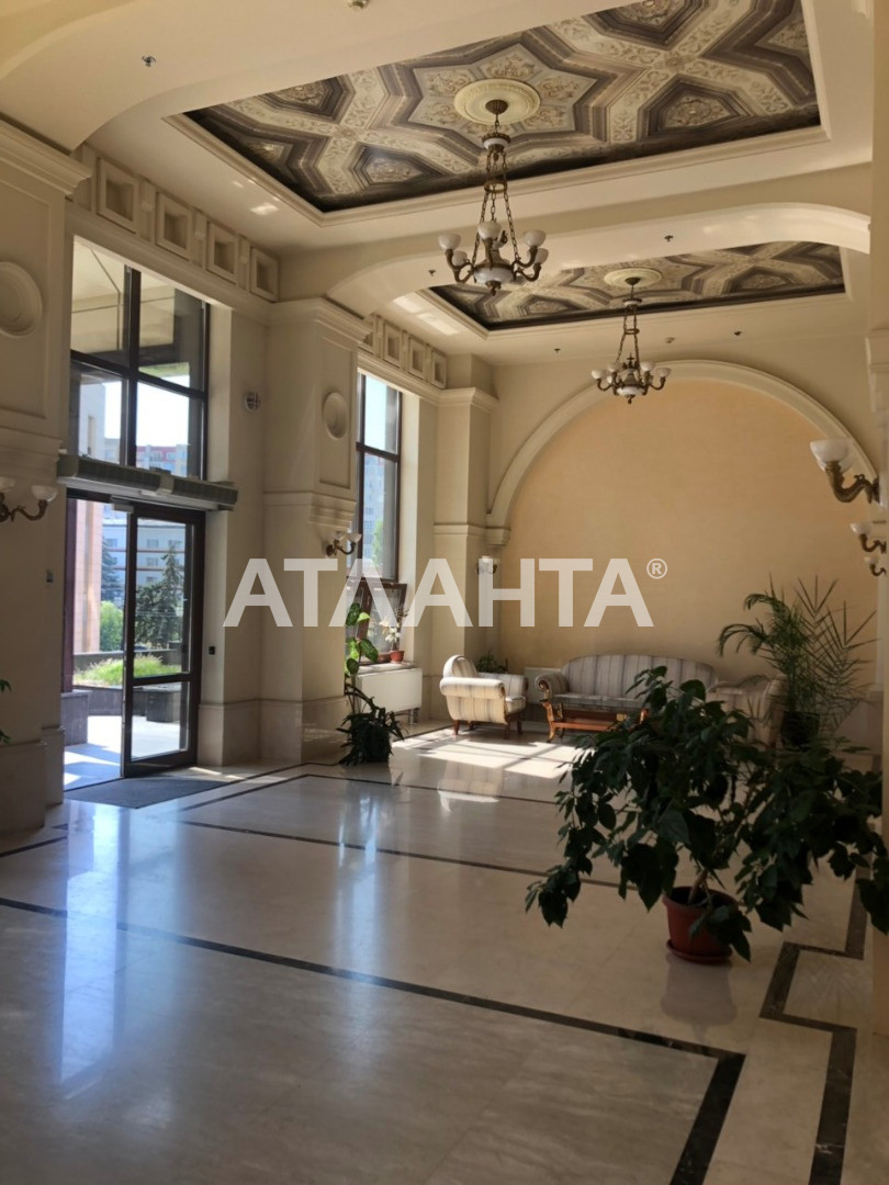 Продается 4-комнатная Квартира на ул. Генуэзская — 537 900 у.е. (фото №2)