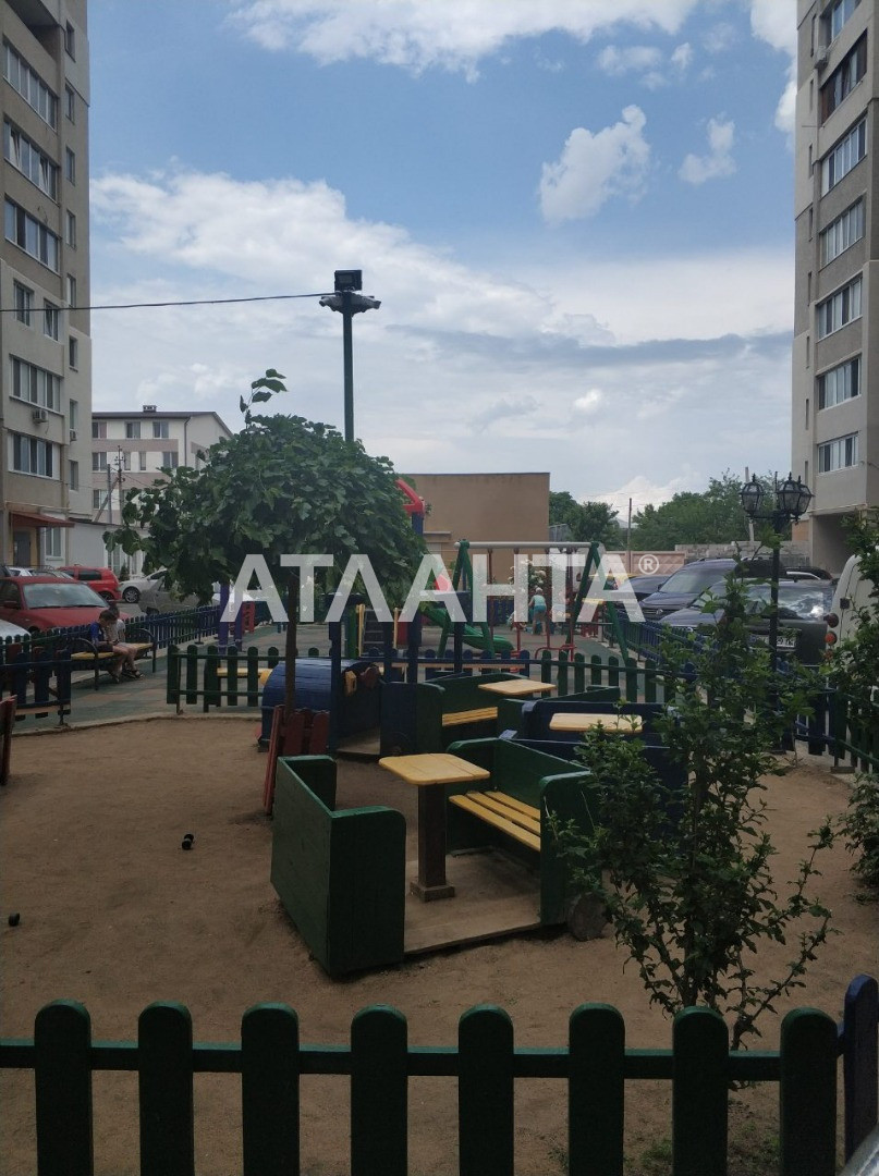 Продается 2-комнатная Квартира на ул. Центральная — 15 000 у.е.