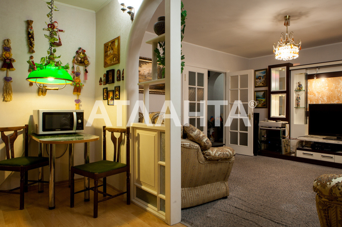 Продается 3-комнатная Квартира на ул. Просп. Глушкова — 66 000 у.е.