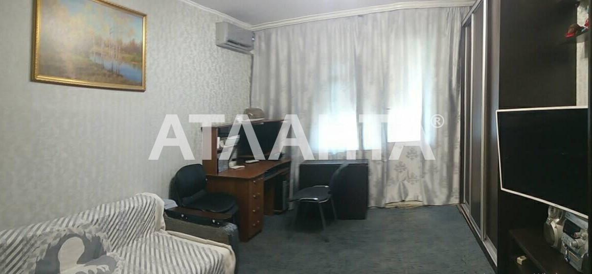 Продается 3-комнатная Квартира на ул. Пр. Академика Глушкова — 54 000 у.е.